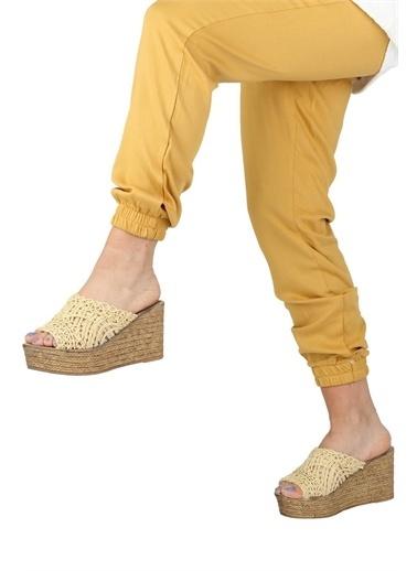 Modabuymus Modabuymus  Dolgu Topuklu Hasır Terlik - Bili Sarı